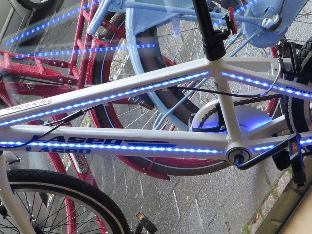 Popal BMX-Bike mit LED-Rahmen 2